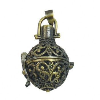 Comes in pewter, brass (pictured), or copper