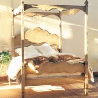 Claudio Cottage Canopy Bed