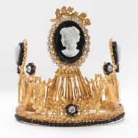Crown, black cameo
