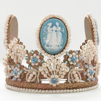 Crown, pearl & light blue