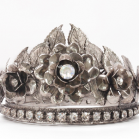 Crown, silver flower