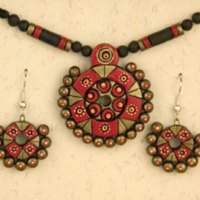 Pepper Blossom Terracotta Necklace Set