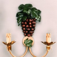 Article 9727 Grape Sconce